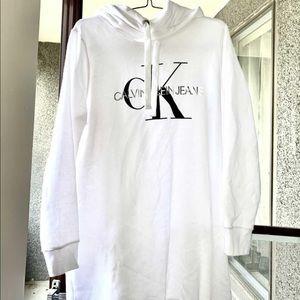 Calvin Klein Unisex Sweater